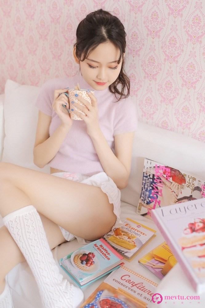甜甜校花小美女私房照图片 清纯美女-第2张