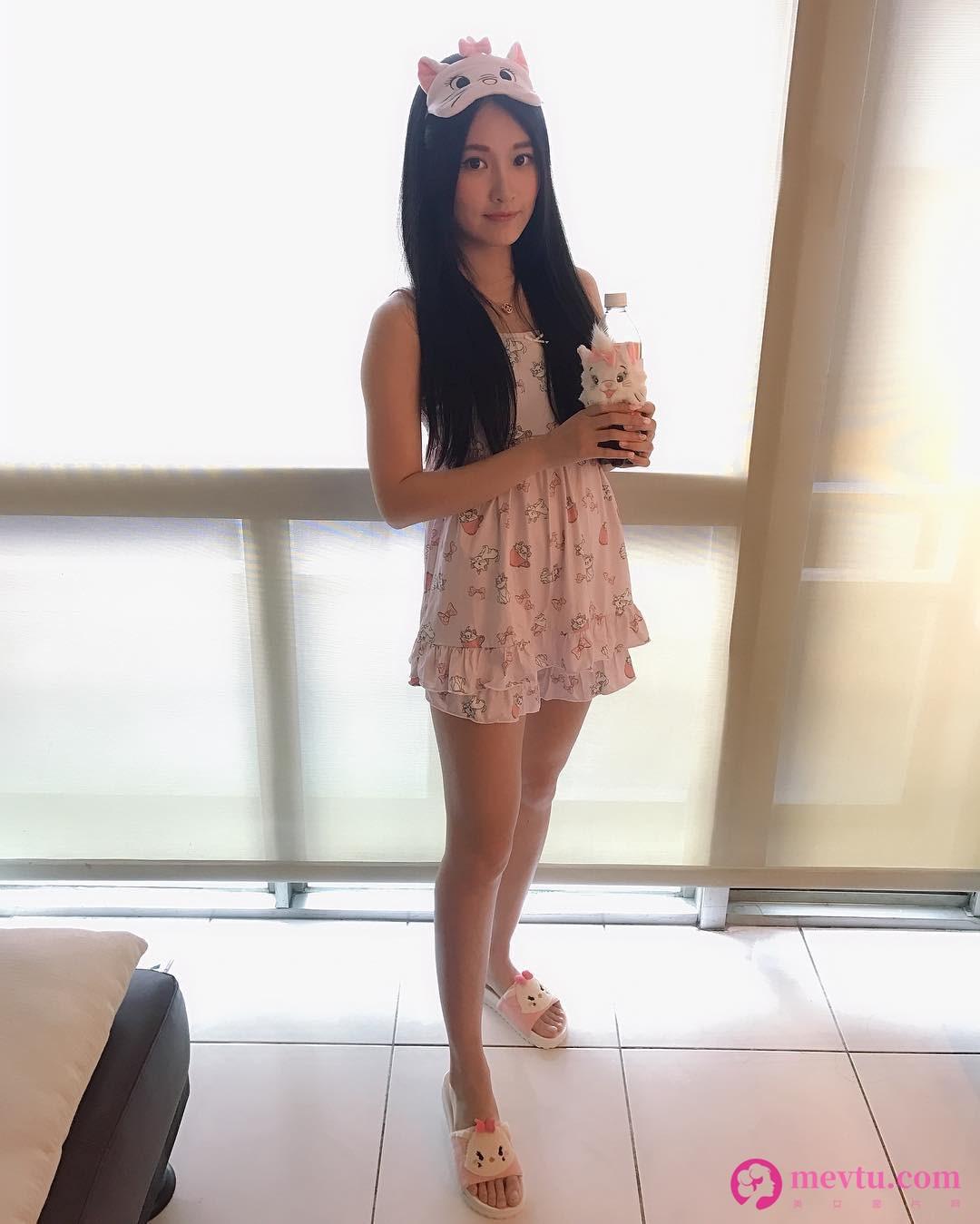 清纯美女-第1张