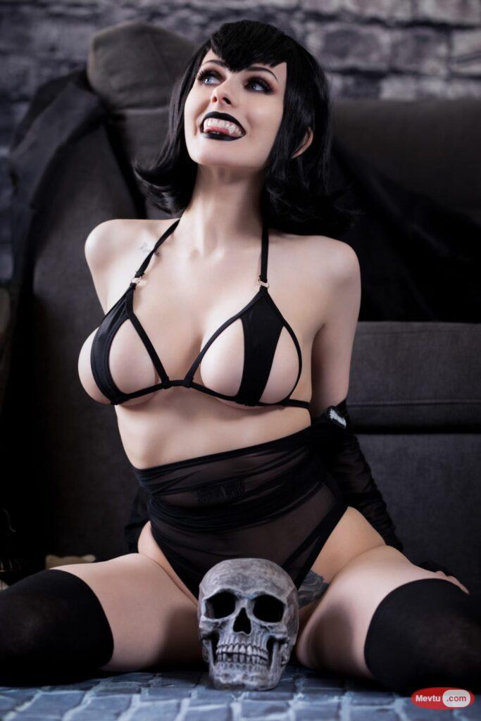 [国际名模]-Mavis Dracula cosplay【21P】 套图下载-第1张