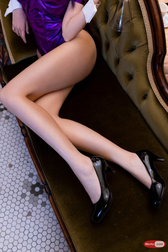 不科学的长腿美女coser 性感美女-第1张