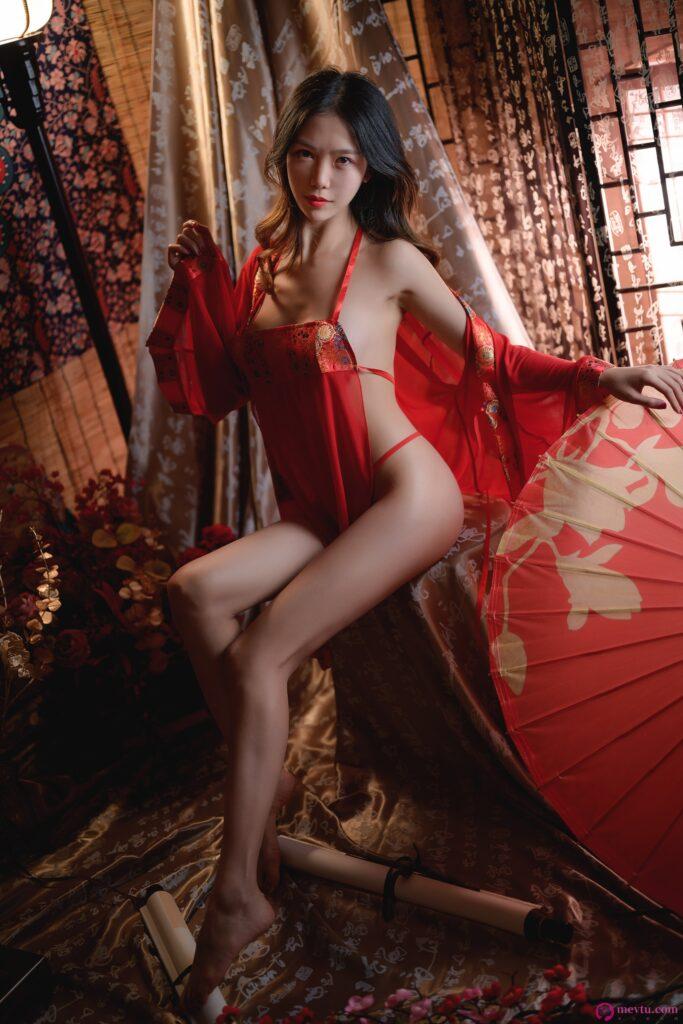 [抖娘利世]红肚兜 高清写真在线看 性感美女-第1张