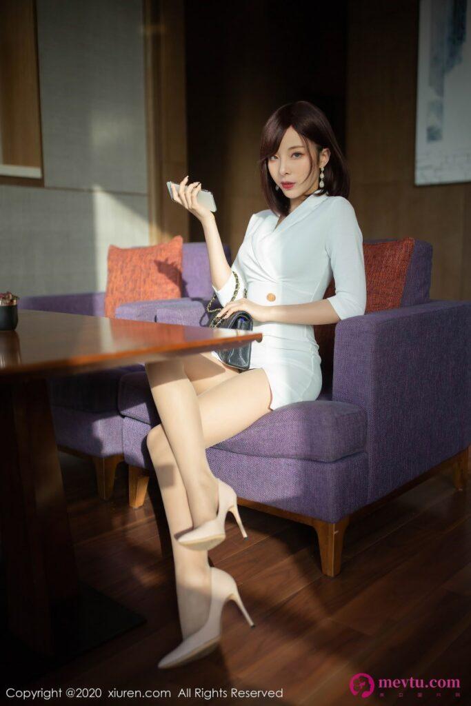 [XiuRen]No.2296 陈小喵在欣赏看90P高清无码图片 性感美女-第2张
