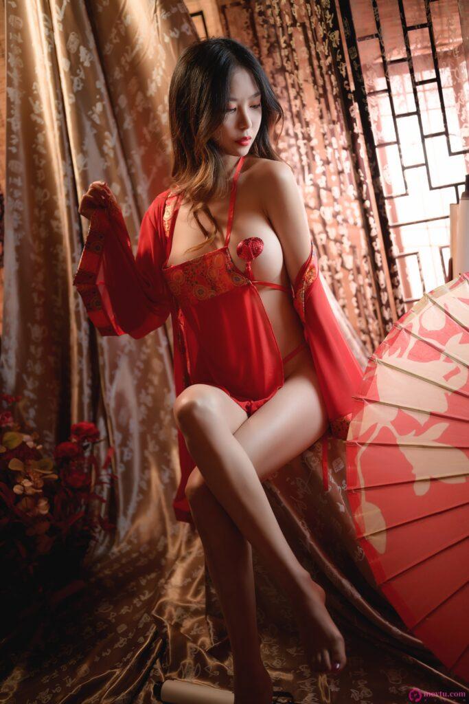 [抖娘利世]红肚兜 高清写真在线看 性感美女-第2张
