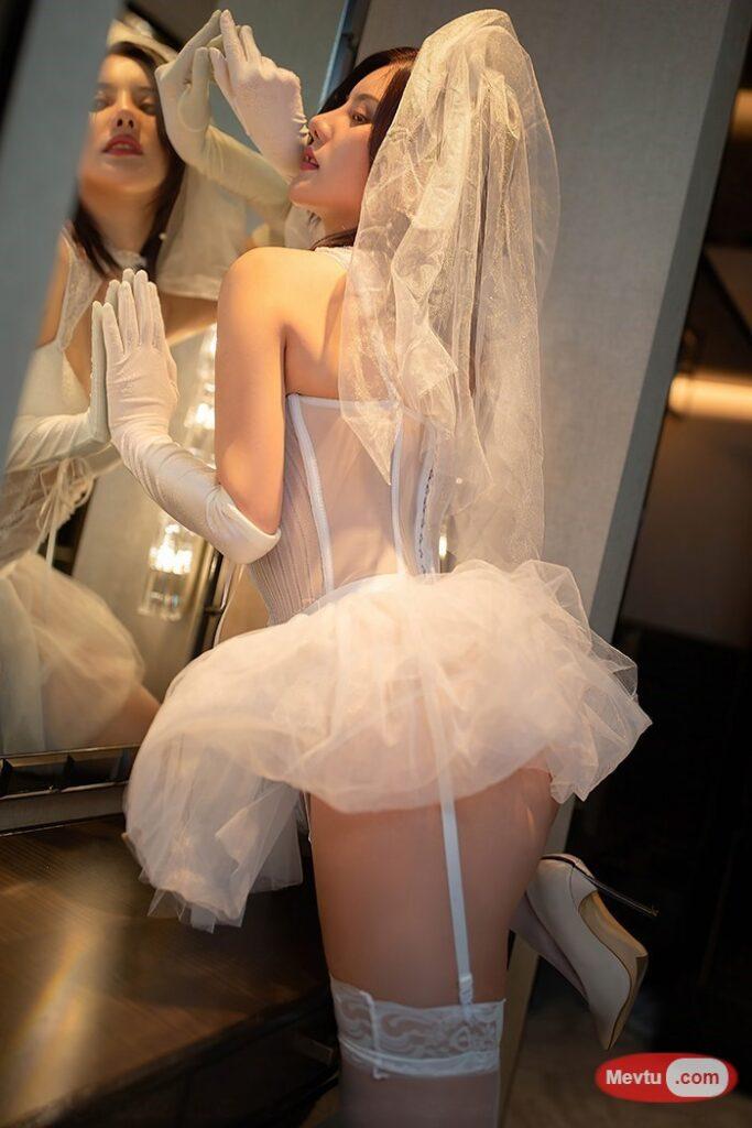"""风骚新娘蕾丝吊带!""""这样的新娘你要不要?"""" 性感美女-第1张"""