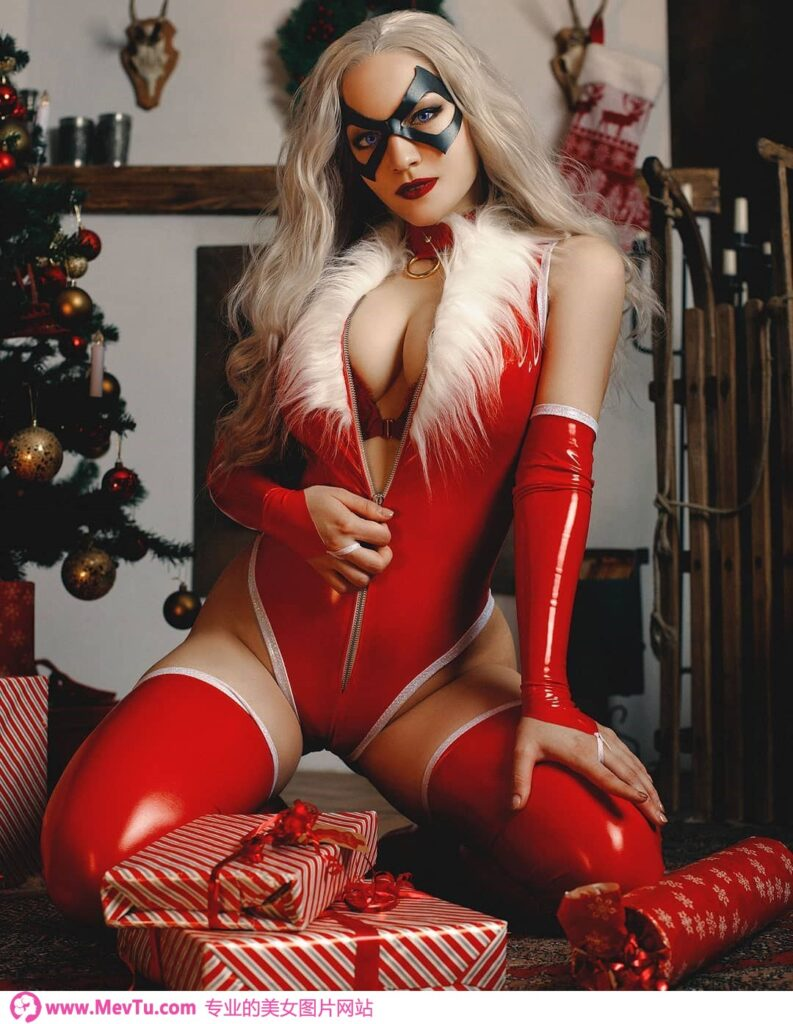 Cosplay:俄罗斯爆乳Coser胸前「3D巨乳」狂刷存在感_无论扮什么角色都充满工口味 性感美女-第1张